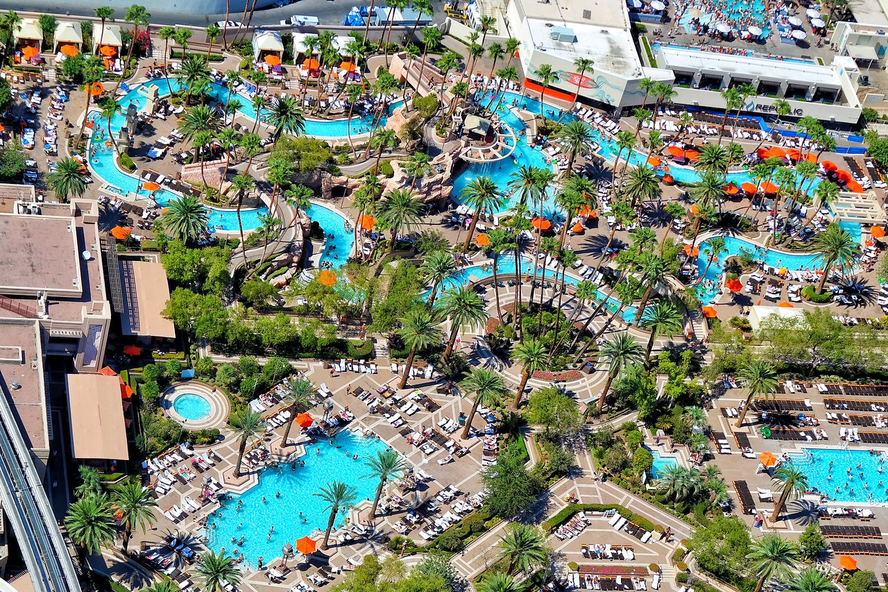 Grand Pool Complex Offers Relaxation and Rejuvenation